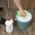 Více znečištěné dveře je možné čistit za pomoci běžného saponátu
